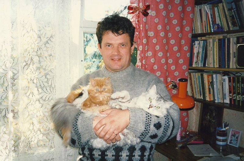 Сережа с кошачьей семьей