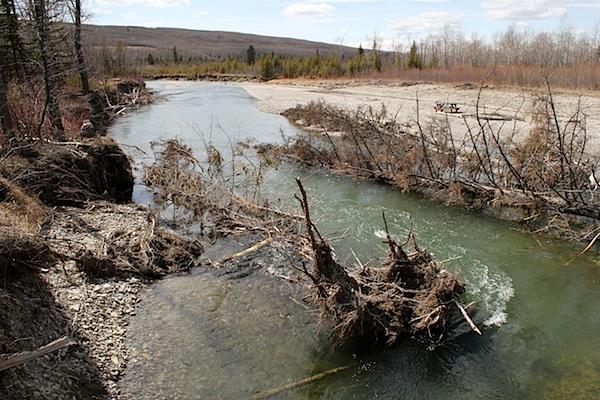 """Идем дальше, за поворот реки.. Именно в этом месте я наблюдал """"вращающийся ледяной остров""""."""
