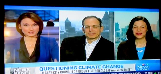 """Прямые мосты на CTV, люди на экране комментируют """"неподпбающие высказывания некоторых несознательных элементов"""" :)"""