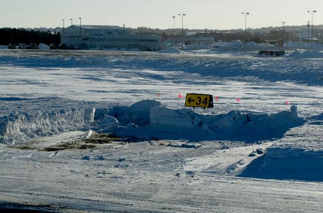 Поработали снегоочистительные машины.