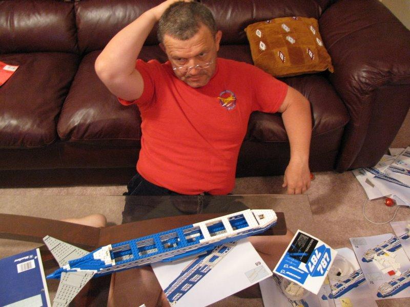 Построить самолет не менее  сложно, чем сценарий жизни:)