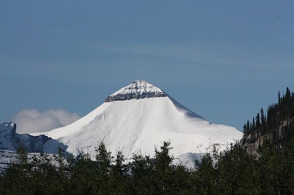 """""""Вершина с Бантиком"""", так можно назвать по-русски Banded Peak. Kananaskis Country. My favorite mountain :)"""