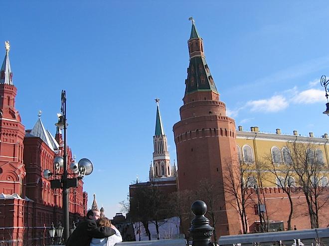 .. Прогулка по Москве.. В один из последних дней перед самым отъездом в Канаду в 2004 году..