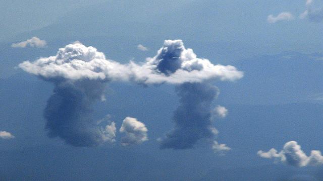 """Смотреть на облака - не только праздное удовольствие. Но это может быть весьма приятным """"побочным продуктом""""."""